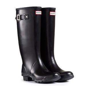 Hunter Wide Calf Black Rain Boots